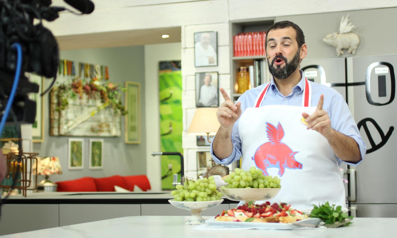 Hermoso cocina robin food fotos telecinco retirara el for La cocina de david de jorge